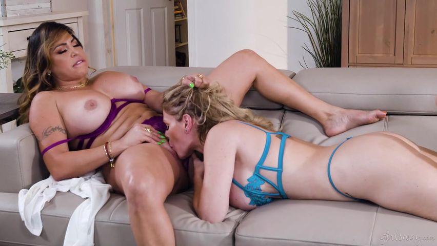 Sexy Russian MILF having fun with her lesbian psychiatrist
